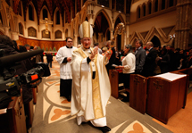 Cardinal celebrates Midnight Mass at cathedral